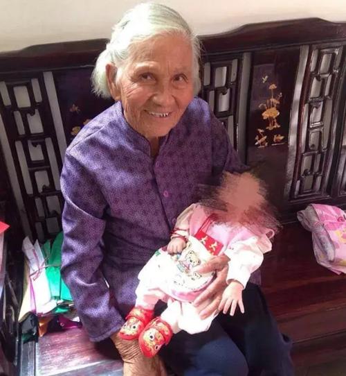 紧急寻人!细雨寒风中,中山82岁老婆婆走失超36小时,急坏全家!