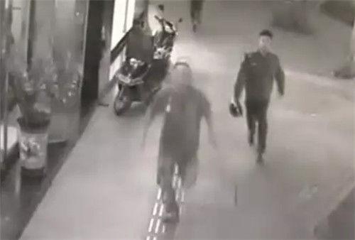 【小榄】治安队员在民安路上大战摩托车惯偷,结果……