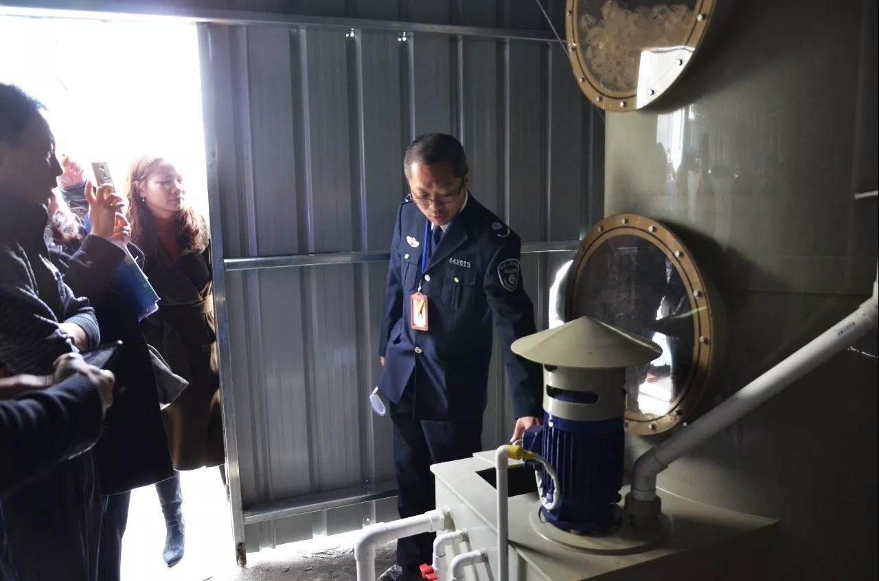 """【东升】企业排污设施竟成摆设?""""蓝天行动""""突击揭穿""""伪装者"""""""