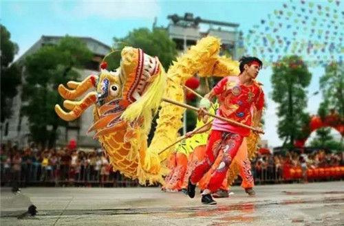 本地新闻  时间:5月1日晚上20:00--22:00 地点:圣狮文化广场  龙狮凤