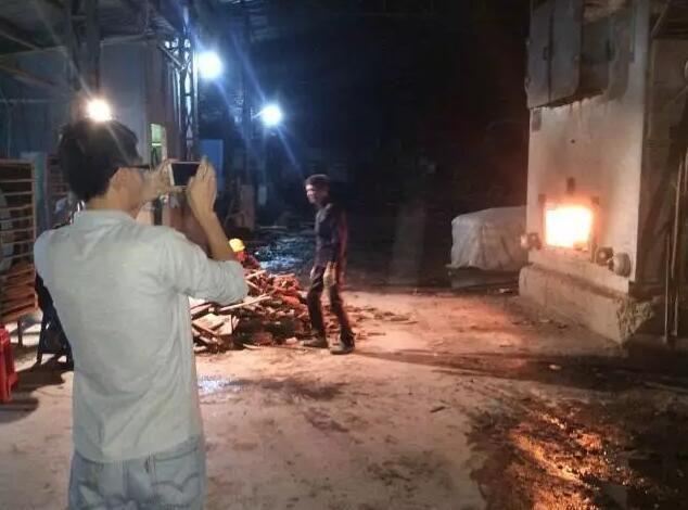 【民众】居民投诉一制衣公司废气扰民 环境监察人员深夜行动竟发现……