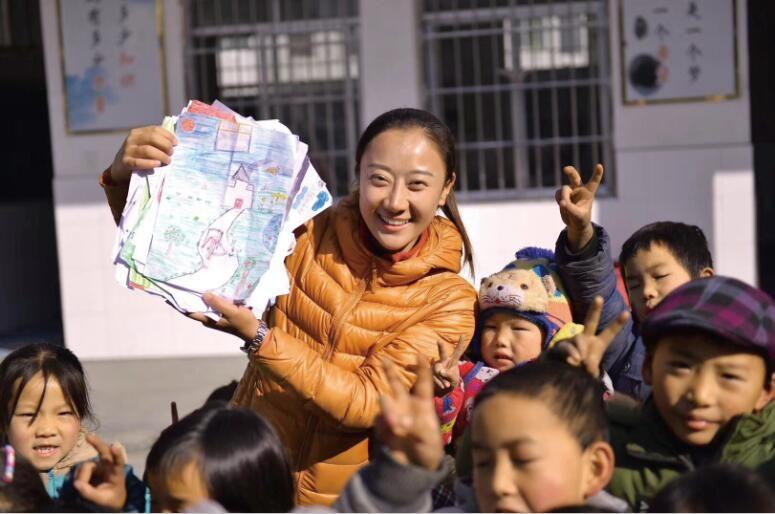 """将""""世界""""带到偏远山区   让阅读改变孩子未来"""