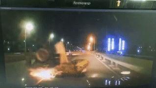 行车记录仪还原了这宗交通事故,教训很深刻!