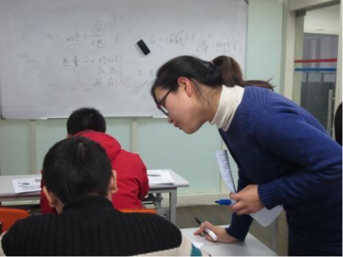 七成受访中山学生上两个培训班,升学压力是主因