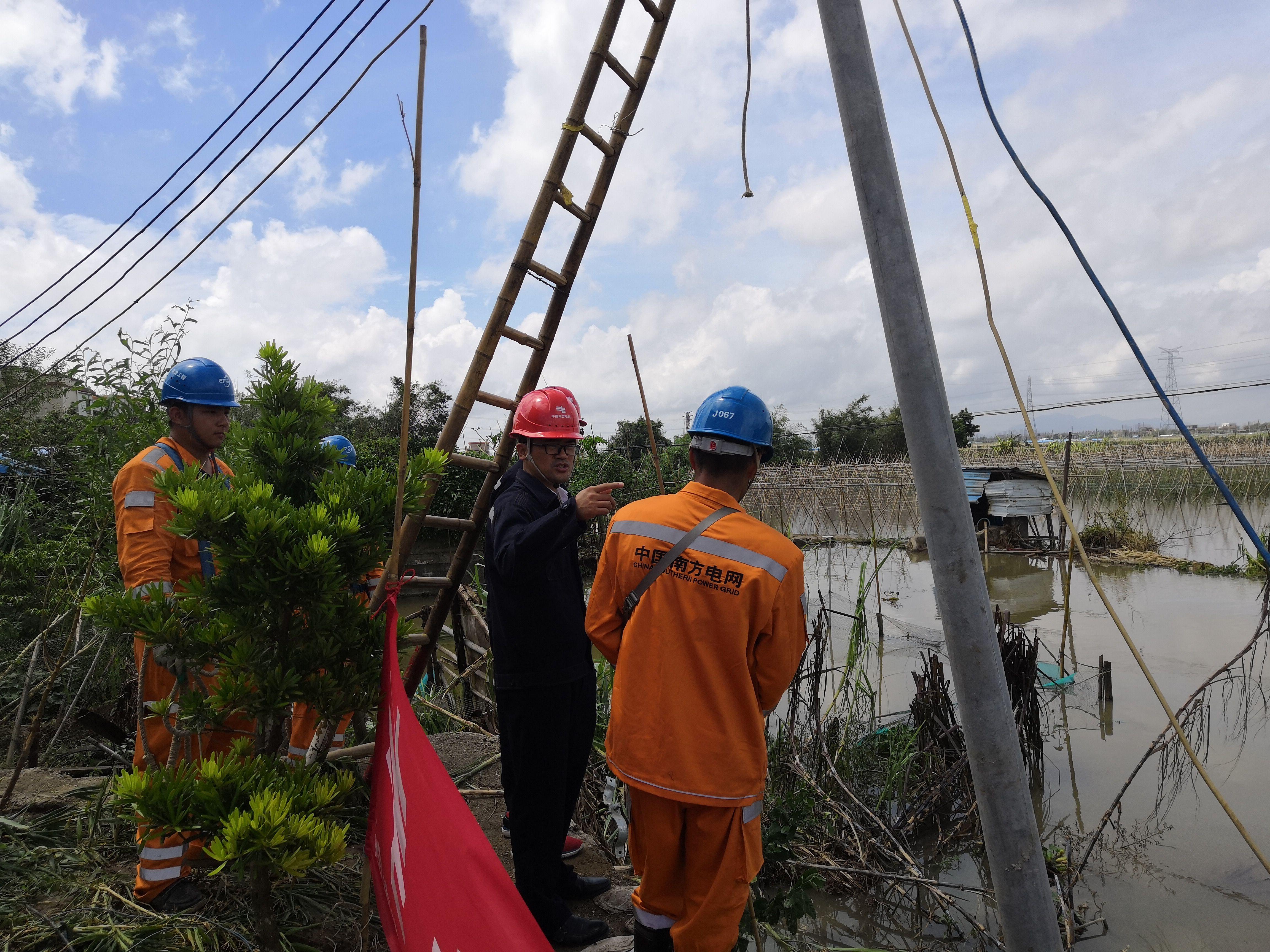 【五桂山】坦洲新合村低洼积水严重 消防供电调配力量全力排涝