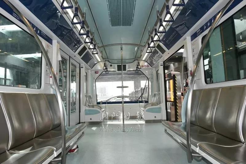 这条轻轨明天开通,本月底前可免费搭乘!直接领车票进站