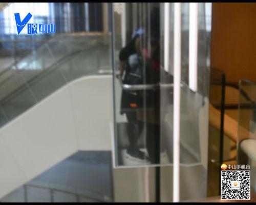 【V眼中山】崩溃!11人被困玻璃观光电梯