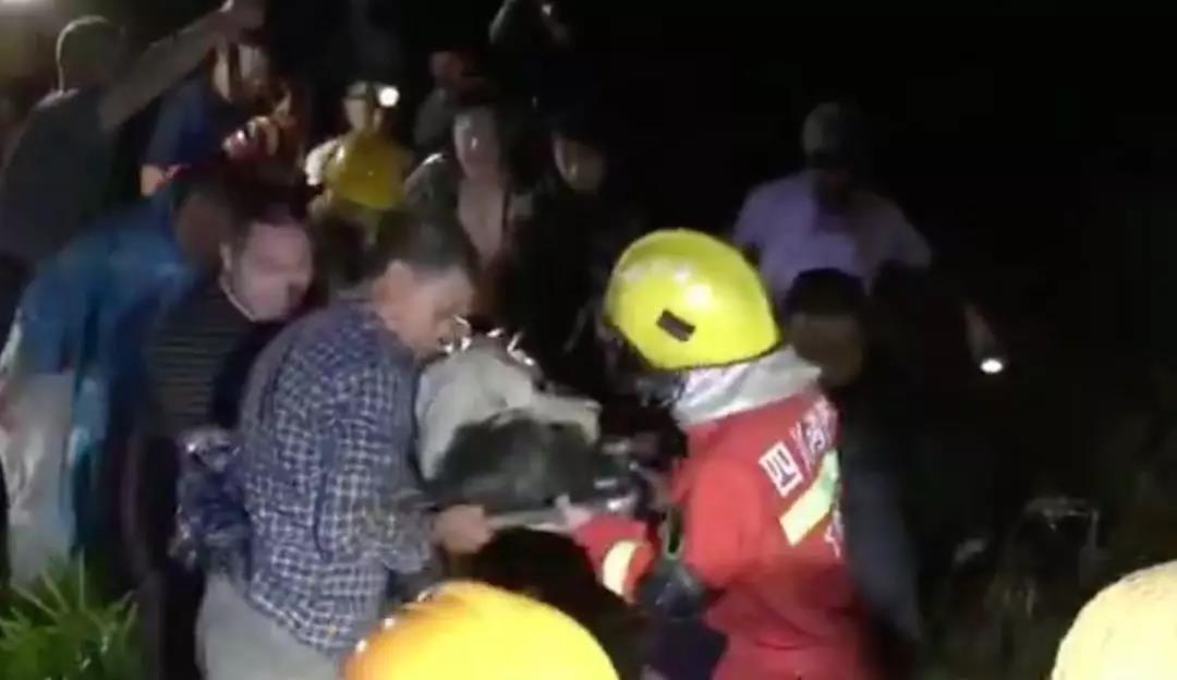四川長寧6.0級地震已致12人遇難多人受傷 救援徹夜進行