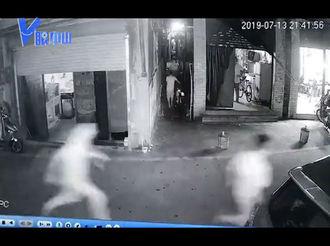 【V眼中山】男子抢金链?多名热心街坊抱打不平,狂追劫匪几条街……