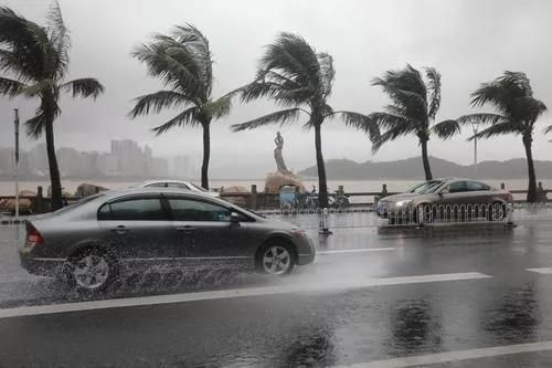 受風暴潮增水影響,珠海情侶路雙向封閉!