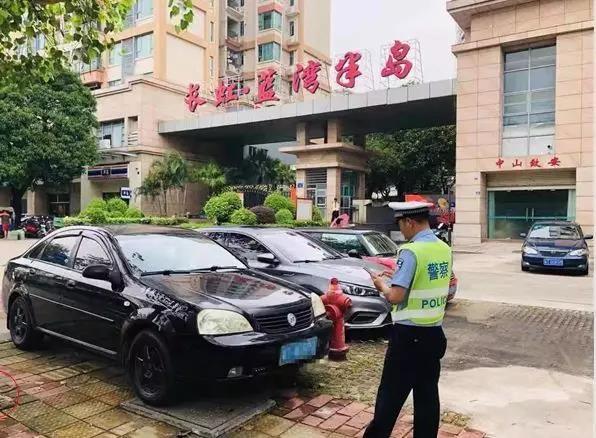 网友投诉:城区一商圈工地每天清晨施工扰民!有关部门立案查处