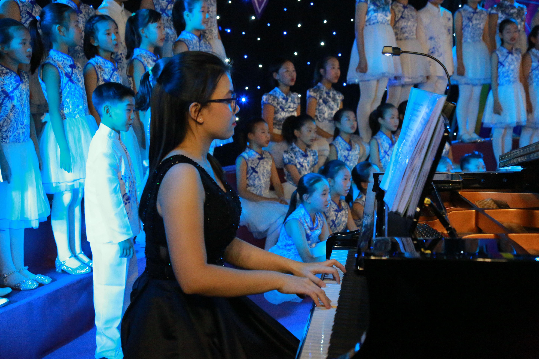 聆听来自天使的声音!中山海燕合唱团迎新春音乐会精彩上演