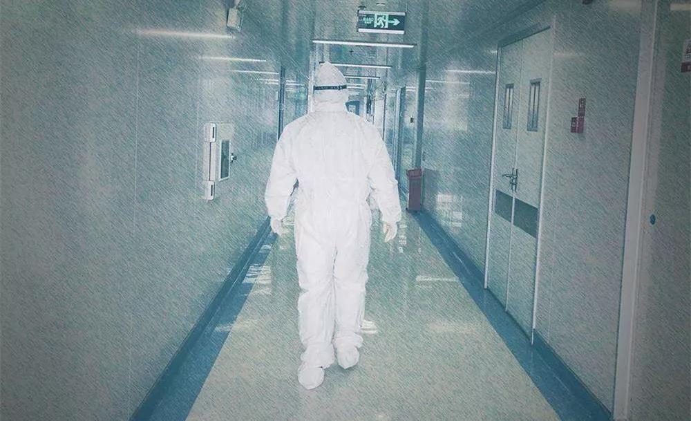 那晚,他為中山首位疑似患者拍床邊X光片