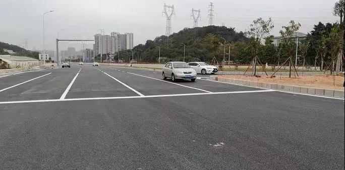 市民反映,長江路全線通車后,依然擁堵!什么原因?