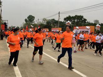 """【横栏】3000人参与!横栏举办""""西江健步跑活动"""""""