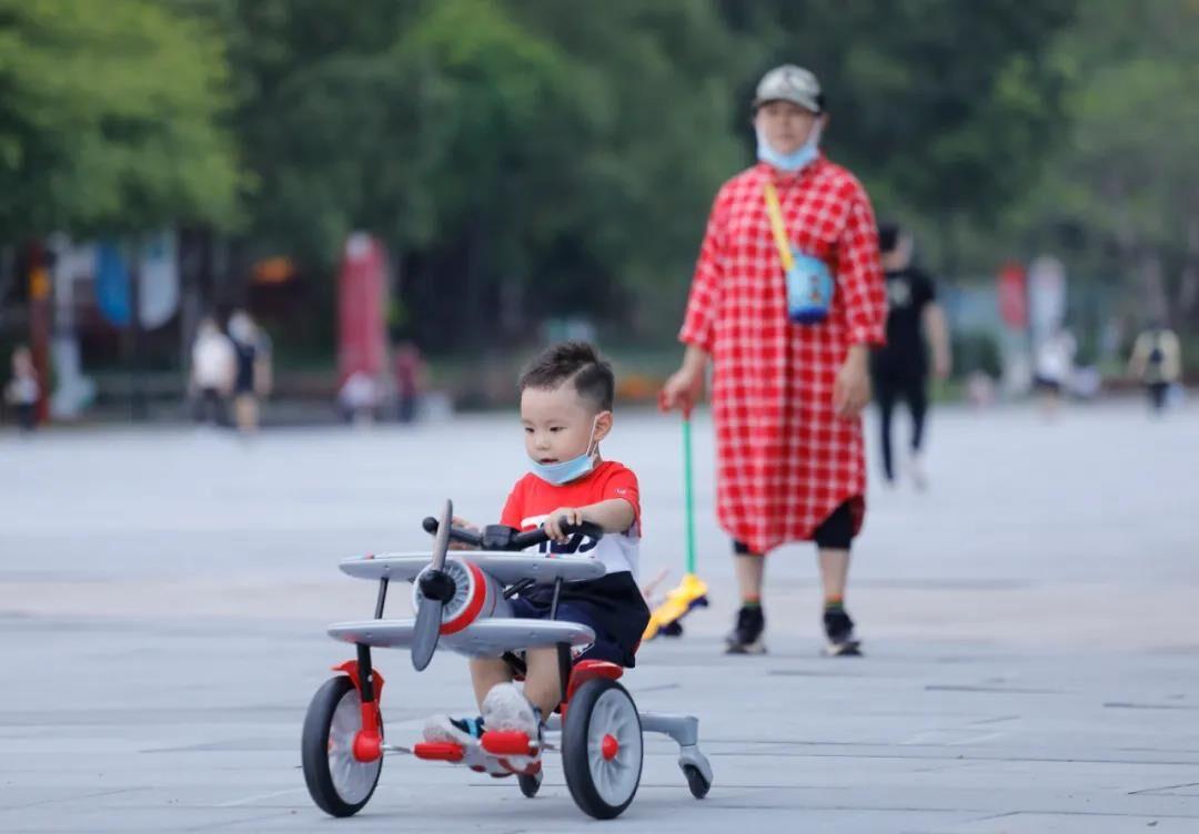 最新公布!广东常住人口全国居首